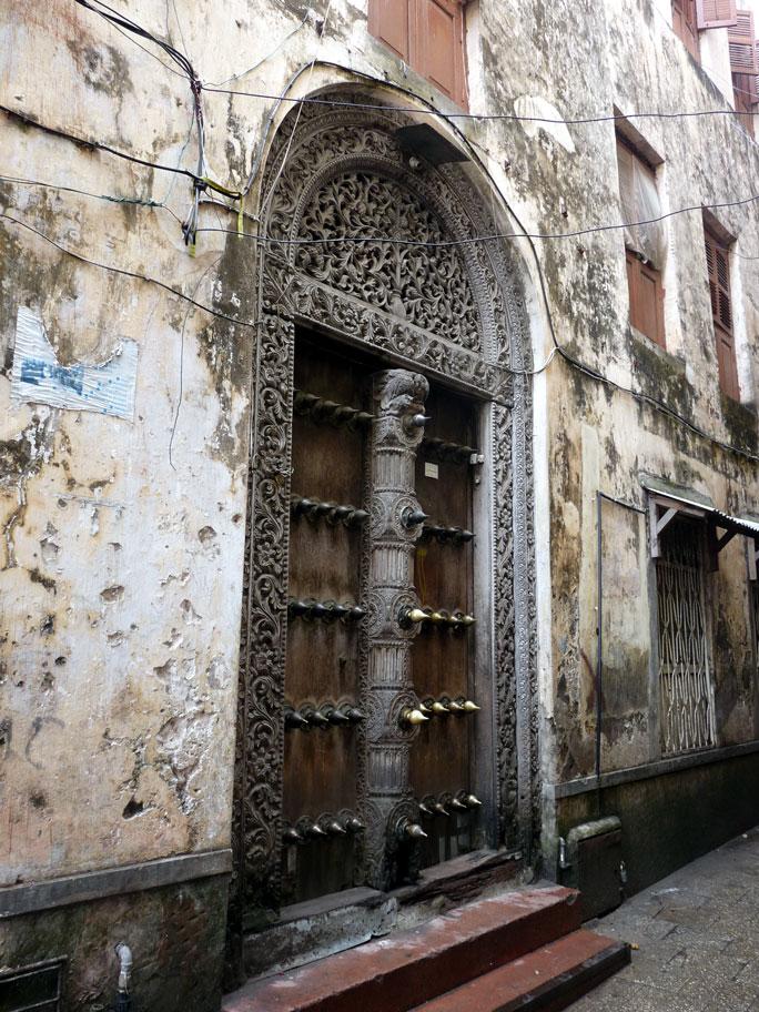 stone_town_door