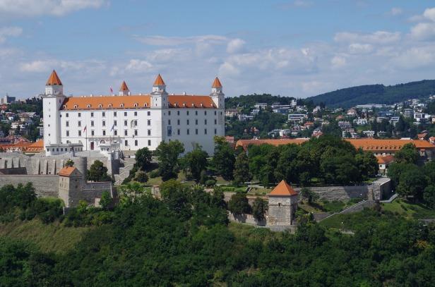 bratislava-1569413_1280.jpg